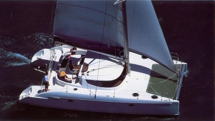 Noleggio charter catamarano italia sardegna nord con for Catamarani di lusso