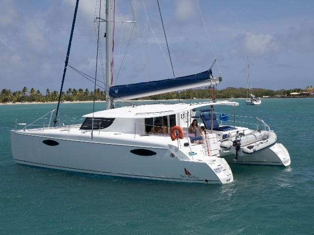 Noleggio charter catamarano croazia incoronate croazia for Catamarani di lusso