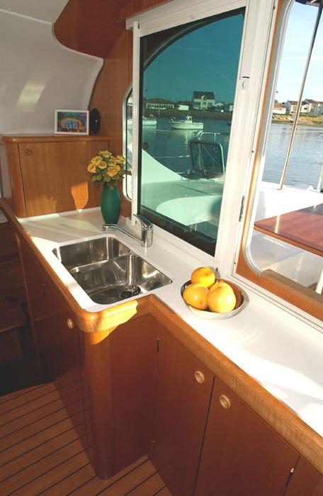 Noleggio charter catamarano croazia incoronate con for Catamarani di lusso