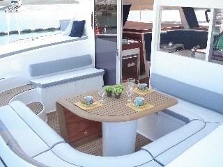 Noleggio charter catamarano italia toscana con for Catamarani di lusso