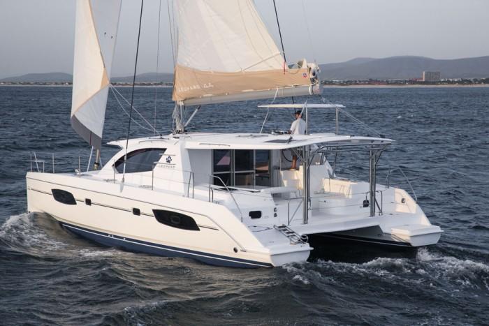 Noleggio charter catamarano italia tirreno centrale con for Catamarani di lusso