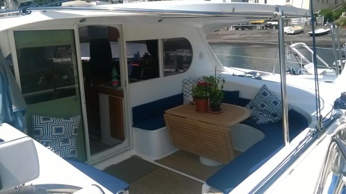 Noleggio charter catamarano italia tirreno centrale for Catamarani di lusso